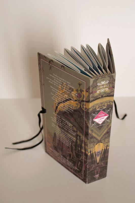Livre Un tour de manège - Dos et 4ème de couverture