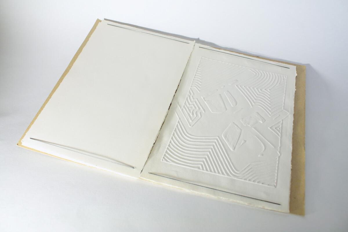 Livre Chaises (version gauffrée) - Travail personnel